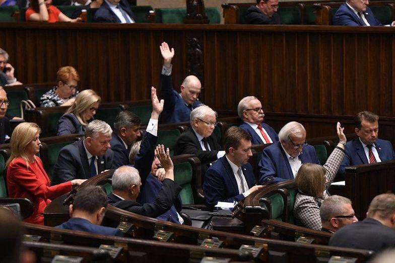 Projekt noweli dot. rozszerzenia praw pracowników delegowanych trafił do Sejmu