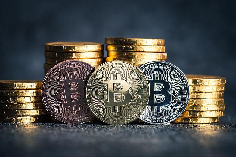 Kursy walut. Najgorszy miesiąc w historii bitcoina