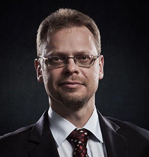 Marcin Szumowski, brat ministra zdrowia.