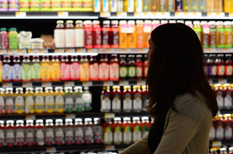 Epidemia zmieniła to, jak robimy zakupy. Wybieramy sklepy zlokalizowane po sąsiedzku i cenimy bezpieczeństwo oraz komfort
