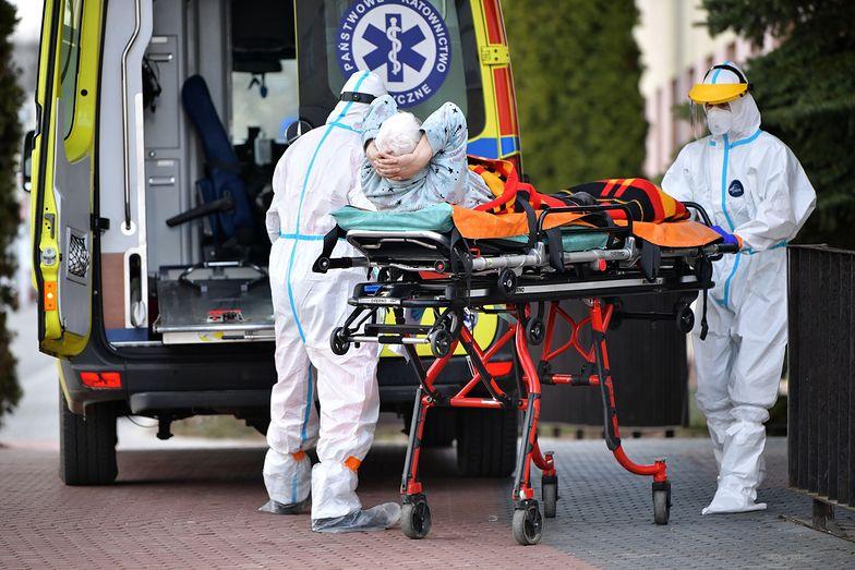 Koronawirus. Wojewodowie polują na lekarzy. Do pracy w szpitalu wezwano nawet karmiącą matkę