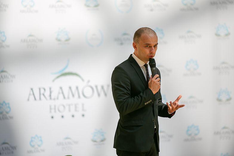 """Hotel Arłamów nie jest na sprzedaż. Ogłoszenie """"bez naszej wiedzy, bez naszej zgody"""""""