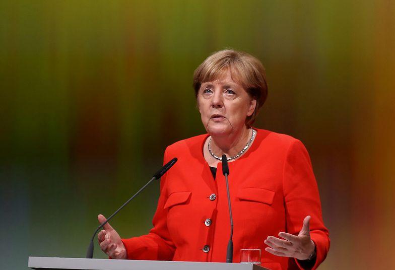 Lockdown. Merkel przestrzega przed nowym wariantem COVID-19