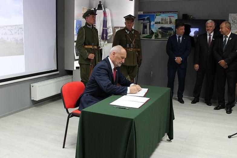 Antoni Macierewicz ogłosił wyniki konkursu na koncepcję muzeum w 2017 r.