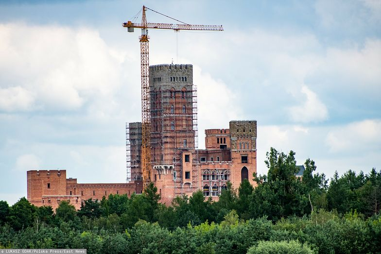 Zamek w Stobnicy: wojewoda nie uchylił pozwolenia na budowę. To nic niezwykłego – mówi ekspert