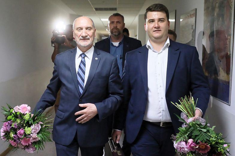 """Misiewicz miał umawiać rozmowy z ważnymi ludźmi z wojska. Nowe ustalenia """"Gazety Wyborczej"""" w sprawie """"układu wrocławskiego"""""""
