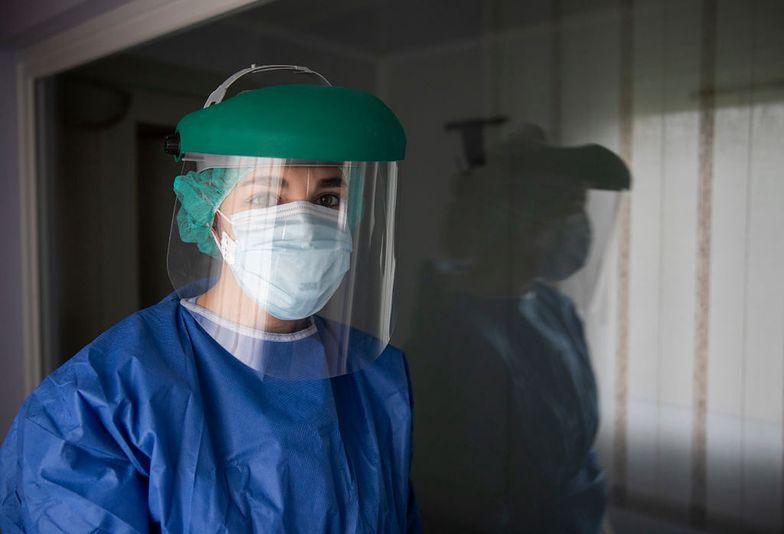 Pielęgniarki wyjeżdżają z Polski za pracą. Trend się nasila