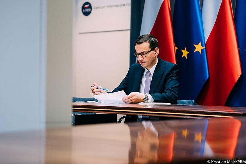 Morawiecki krytykuje media społecznościowe za cenzurę. Zapowiada obronę wolności słowa