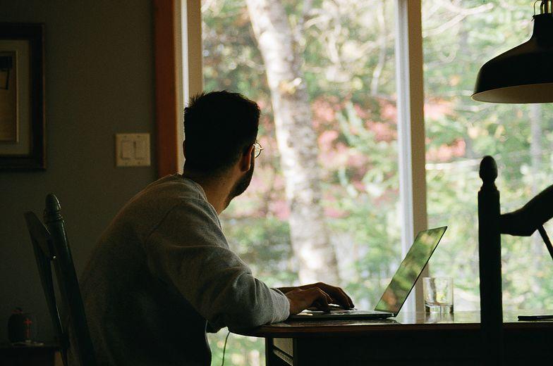 Półtora roku pracy zdalnej. Jak wrócić do biura? – radzi psycholog