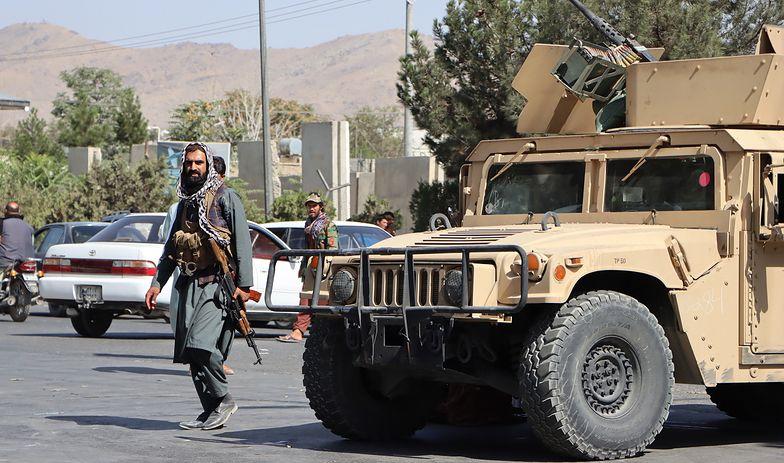 Tłumy żądają pieniędzy. Kryzys w stolicy Afganistanu trwa
