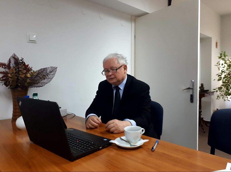 Co roku emeryci tracą w czerwcu. Zyskał Jarosław Kaczyński. Dzięki doradcom