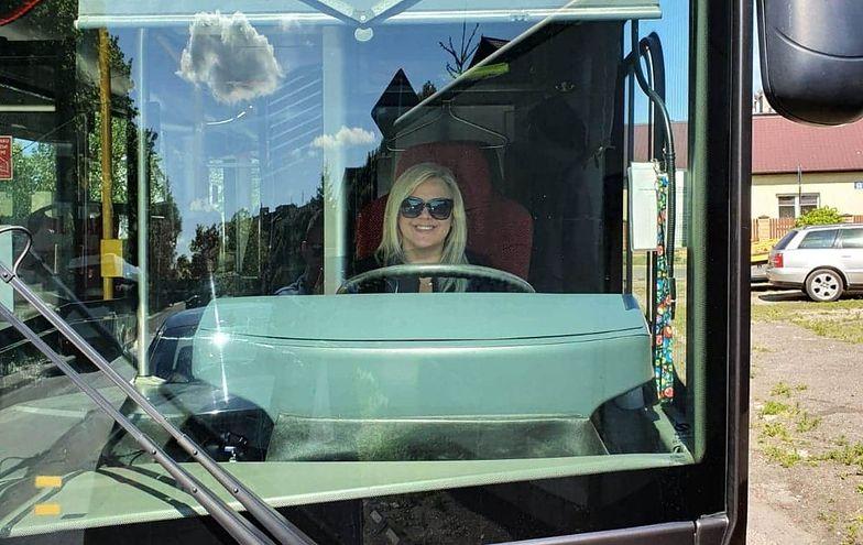 Kinga Mierzwa nie dała się wirusowi, teraz prowadzi miejski autobus w Radomiu.
