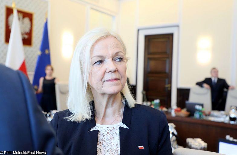 Minister Bożena Borys-Szopa apeluje do samorządów, by szybciej wypłacały 500 plus.