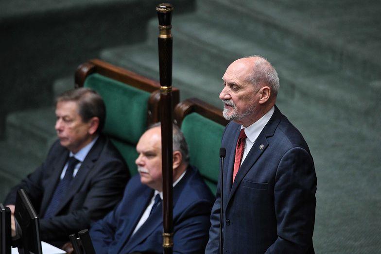 Ruszył Sejm nowej kadencji. Pierwsze posiedzenie otworzył Antoni Macierewicz