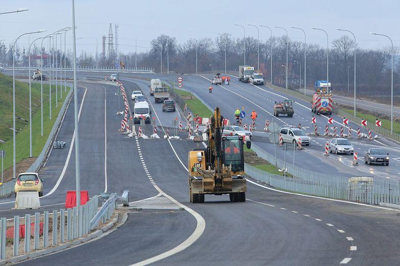 Oddany w poniedziałku do użytku fragment drogi S51 łączy wybudowane już wcześniej odcinki obwodnicy Olsztyna