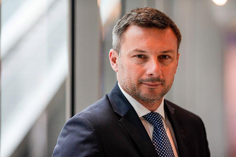 Poręczenie majątkowe w wysokości 108 mln zł nie wystarczyło, by Piotr Osiecki odpowiadał z wolnej stopy.