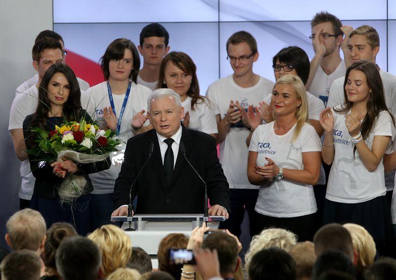 Zagraniczne media uważają, że partia wygra najbliższe wybory. Głównie przez programy socjalne
