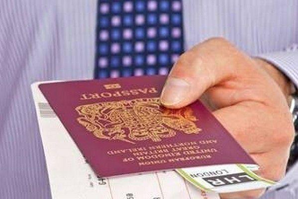 Na Wyspach obowiązują już dwa rodzaje paszportów, a być może przybędzie kolejny wzór.