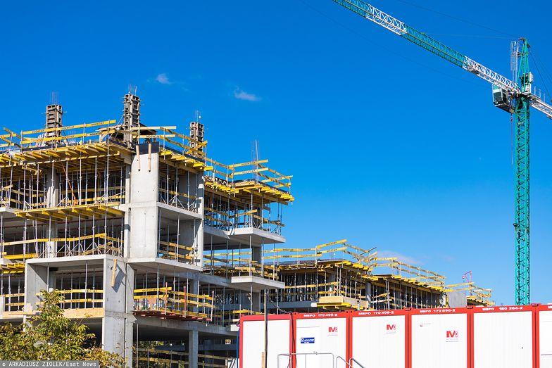 Na takim etapie budowy zazwyczaj deweloper ma już do sprzedania pojedyncze mieszkania