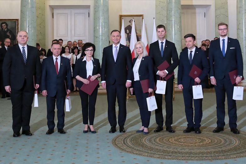 Z finansami zdecydowanie najlepiej radzi sobie nowy wicepremier – Jacek Sasin
