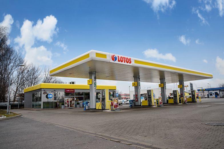 Stacja paliw firmy Lotos.