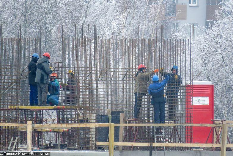 Komisja Europejska szacuje, że ochroną obejmie od 2 do 3 mln pracowników, którzy obecnie nie są chronieni.