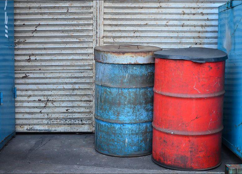Dla wielu warsztatów samochodowych stary olej samochodowy jest naturalnym materiałem do ogrzewania. Skala nadużyć jest bardzo duża