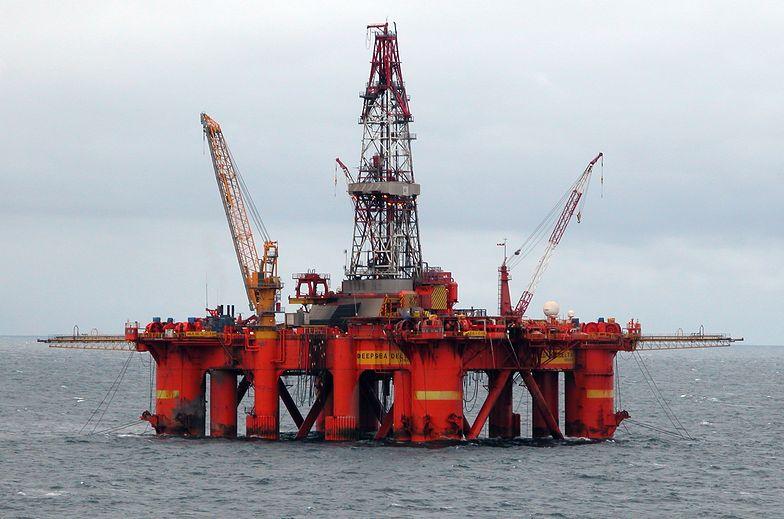 Platforma wiertnicza na Morzu Północnym.