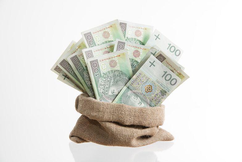 Pięć porad, jak nie wpędzić się w spiralę zadłużenia