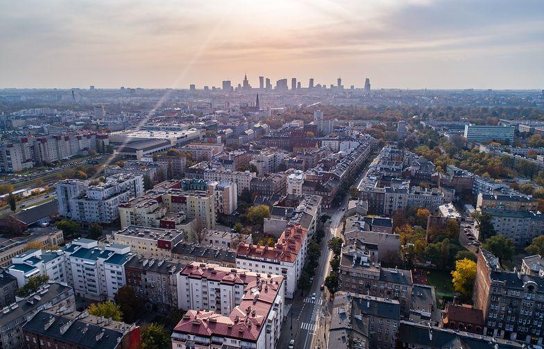 Mieszkanie plus. Warszawskie osiedle ma powstać na terenach, które obecnie są własnością Poczty Polskiej.