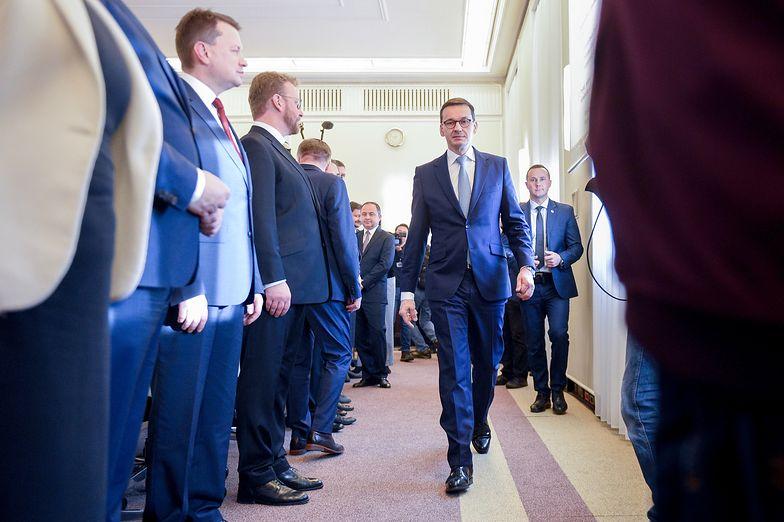"""KPRM będzie promować rząd PiS i """"piątkę Kaczyńskiego"""""""
