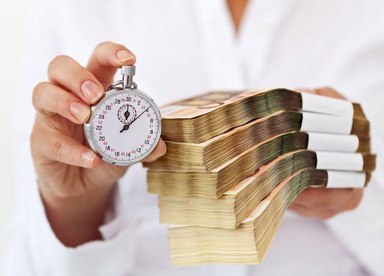 Regulacje dotyczące wymiaru czasu pracy można znaleźć w Kodeksie Pracy
