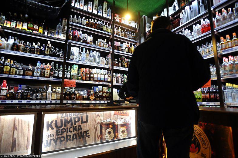 Sklepy pod koniec roku mocno zaopatrzyły się w alkohole.