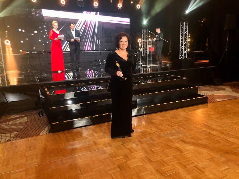 Nagrodę odebrała członek zarządu ds. finansowych holdingu Elżbieta Bujniewicz-Belka