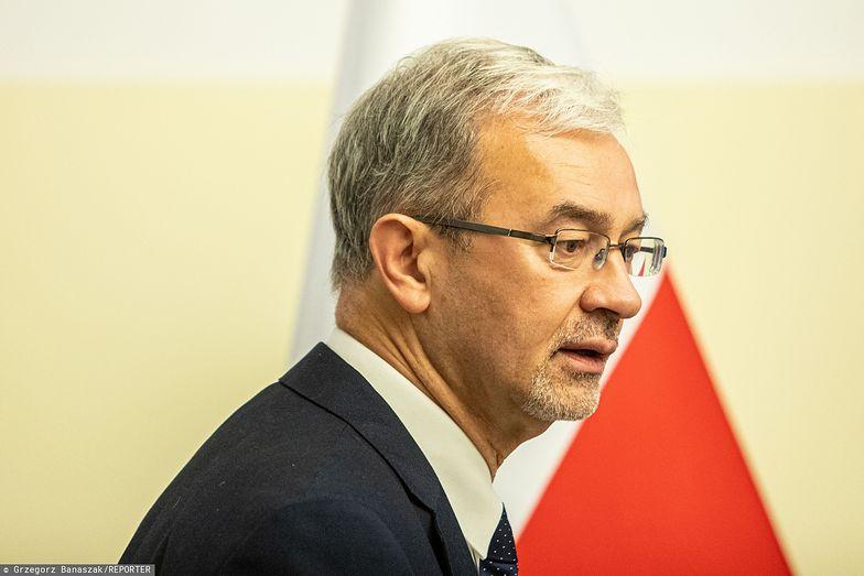 Resort podległy ministrowi Jerzemu Kwiecińskiemu nie spieszy się z przepisami dla fintechów.