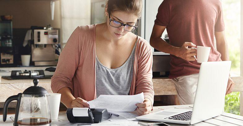 Jak odkładać pieniądze w Internecie? Poradnik