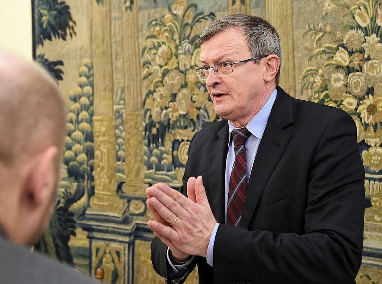 Tadeusz Cymański w trakcie posiedzenia podkomisji, na której przyjęto prezydencki projekt