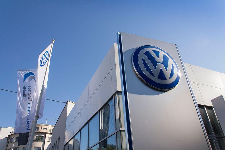 O zawieszeniu działań fabryk w Chinach Volkswagen poinformował w komunikacie.