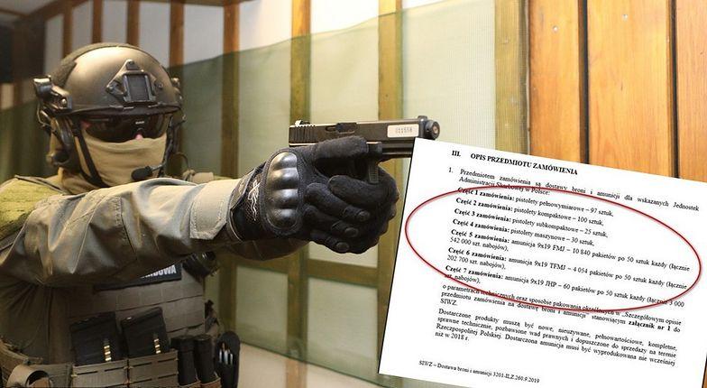 Skarbówka kupuje pistolety dla funkcjonariuszy.