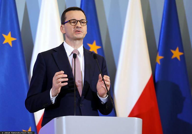 Premier Morawiecki zapowiedział pomoc dla osób świadczących pracę na podstawie umów cywilnoprawnych. Deklaracje są bardzo ogólne