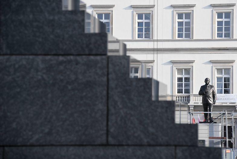 Smoleńsk znowu dzieli Polaków. Czy politycy Zjednoczonej Prawicy złamali prawo?