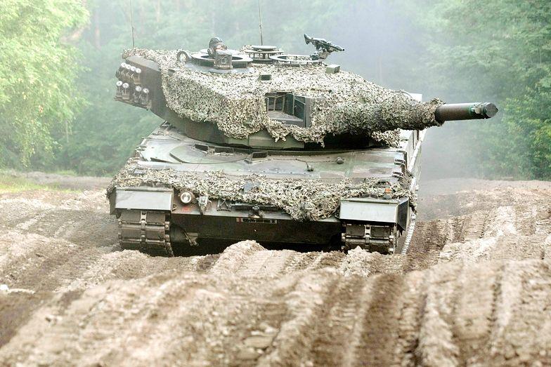 Wyjście z koszar do rejonu działań kompanii czołgów LEOPARD 2A4 z 10 Brygady Kawalerii Pancernej ze Świętoszowa na ćwiczenia Noble Jump