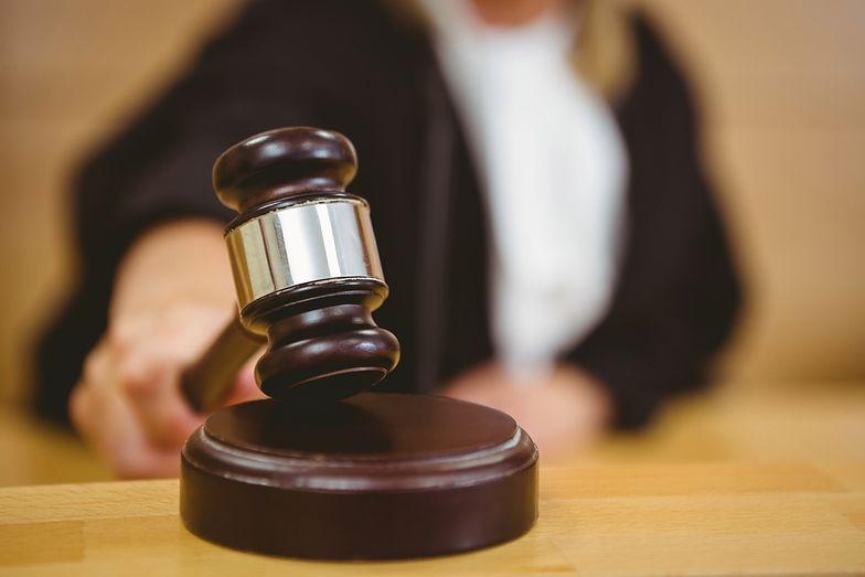 Wydanie nakazu zapłaty w postępowaniu upominawczym zazwyczaj wydawane jest podczas posiedzenia niejawnego