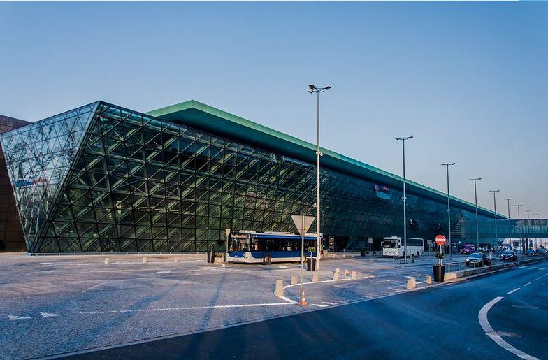 Lotnisko w Krakowie obsłużyło w zeszłym roku rekordowo dużą liczbę pasażerów: 8,41 mln