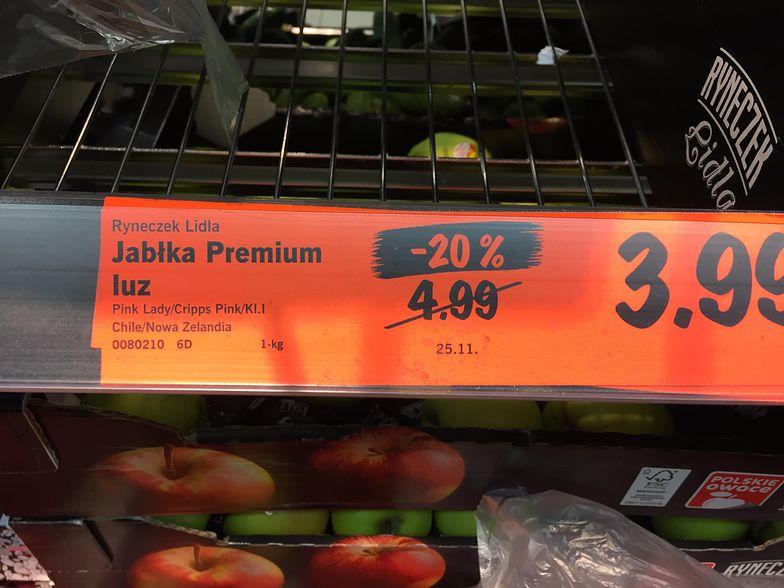 Promocyjne ceny jabłek to częsty widok w sklepach