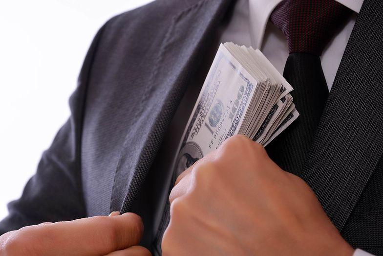 Najbogatsi trzymają na kontach więcej, niż ponad połowa wszystkich Polaków. Raport Credit Suisse