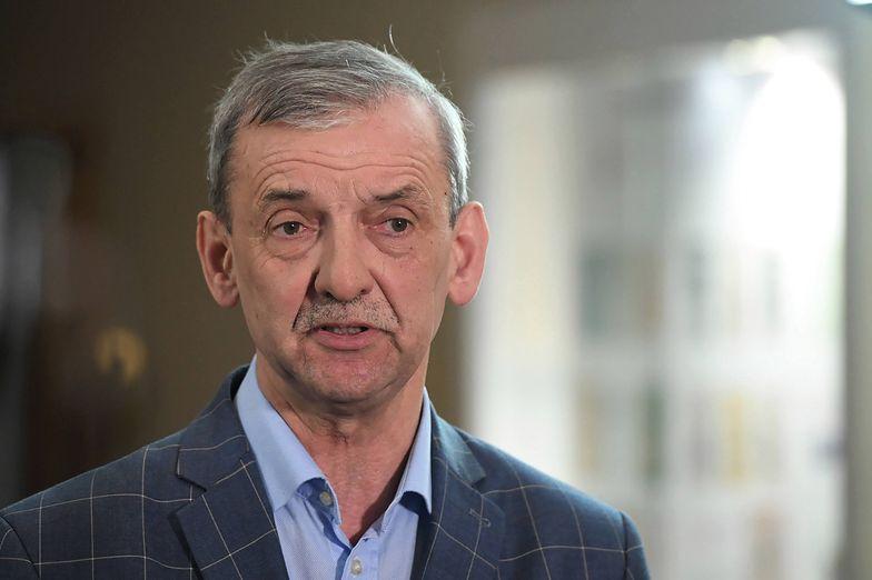 Sławomir Broniarz wyraził zaskoczenie, że ministerstwo nie zadecydowało o zamknięciu szkół już we wtorek