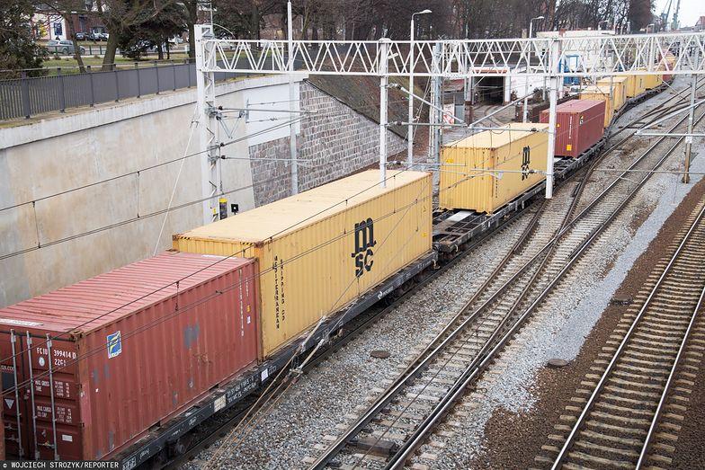 Pociąg z dostawa maseczek ma 12 kwietnia dotrzeć do Niemiec