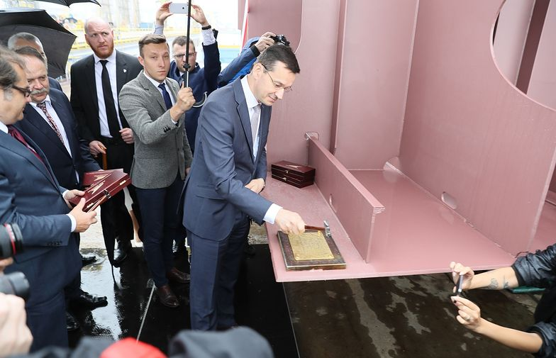 W czerwcu 2017 wicepremier Morawiecki kładł stępkę pod nowy prom. Od tego czasu prace się za bardzo nie ruszyły