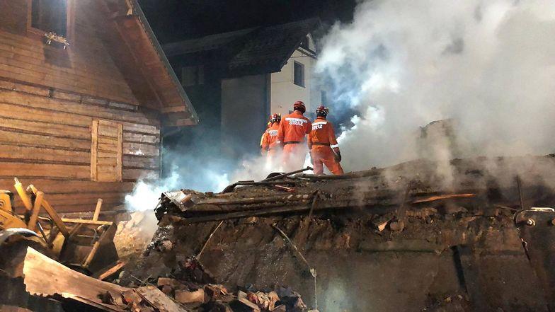 Na miejscu eksplozji całą noc pracowali strażacy